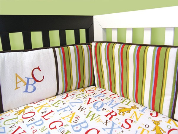 DR. SEUSS ABC - CRIB BUMPERS