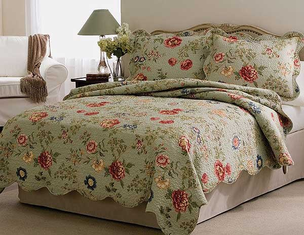 Edens Garden Twin Quilt with Pillow Sham
