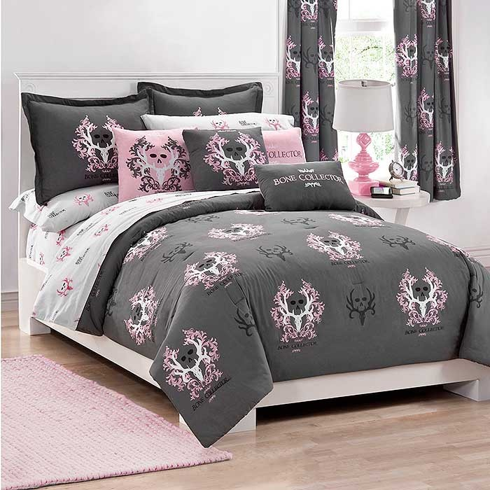 Bone Collector Pink/Grey Comforter & Sham Set
