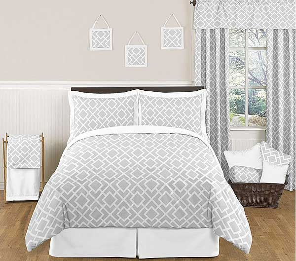 Diamond Gray & White Comforter Set - Full/Queen Size By Sweet Jojo Designs*