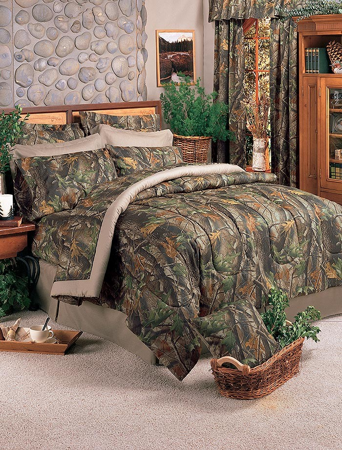 Realtree Hardwoods Camo Comforter Set - California King Size