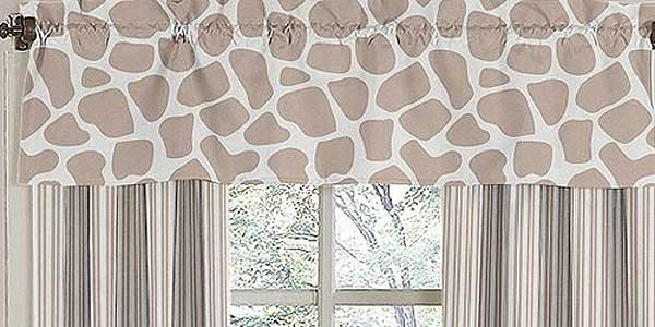 Giraffe Valance by Sweet Jojo Designs