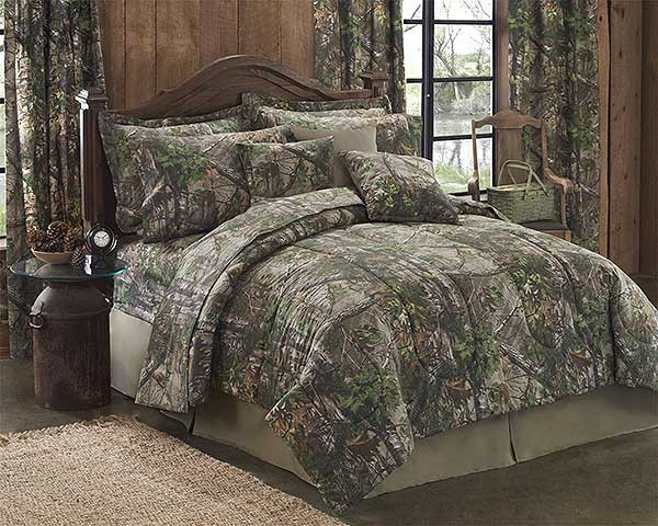Realtree Xtra Green California King Size Camouflage Comforter Set