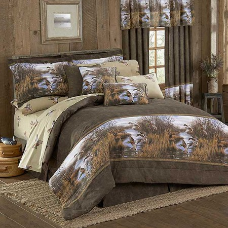 Duck Approach Comforter Set - King Size