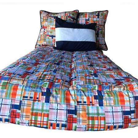 Classic Plaid Bunkbed Hugger Comforter by California Kids