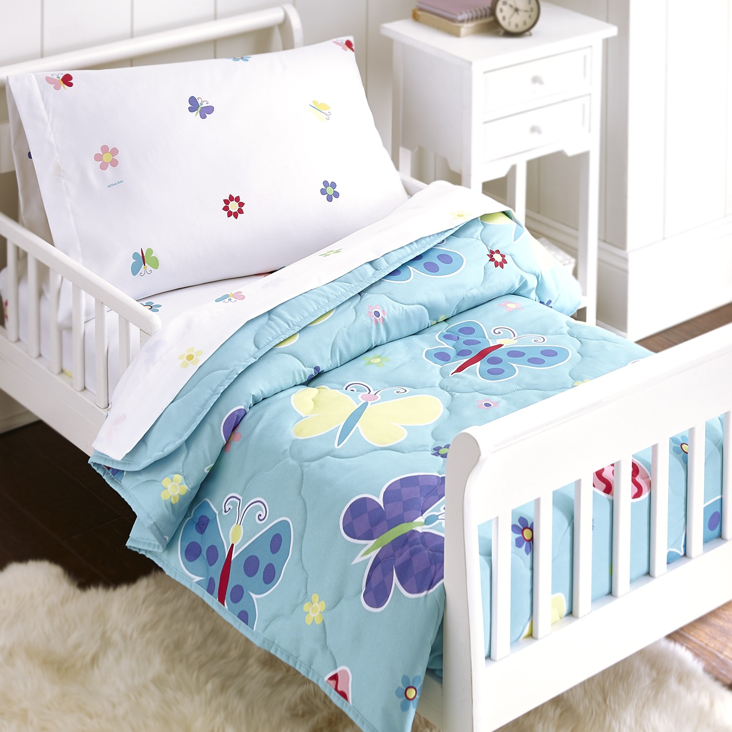 olive kids butterfly garden 4 piece toddler size bed in a. Black Bedroom Furniture Sets. Home Design Ideas