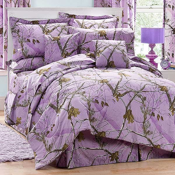 AP Lavender Camouflage Comforter Set   Twin Size