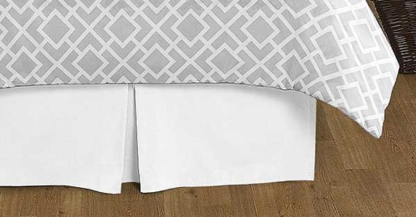 Diamond Gray & White Queen Size Bedskirt