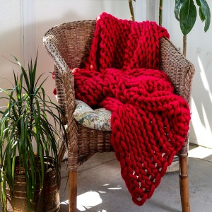 Chunky Knit Throw - Red