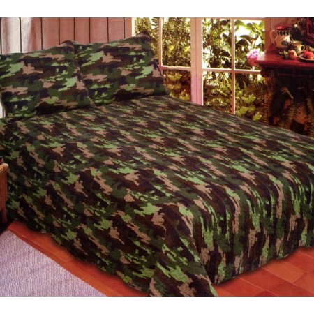 Camouflage Queen Size Quilt Set - Includes 2 Standard Pillow Shams