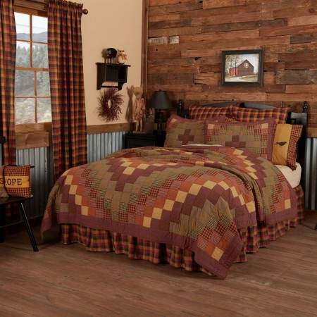 Heritage Farms Quilt - Queen Size