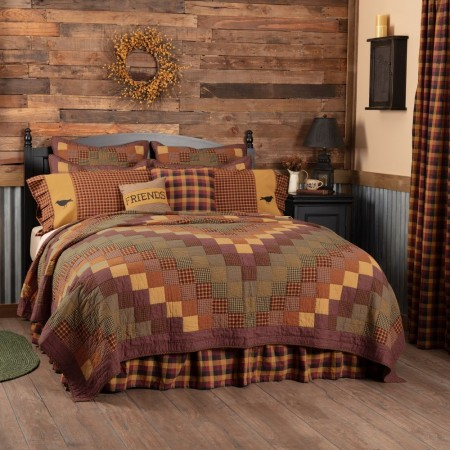Heritage Farms Quilt - California King Size Set