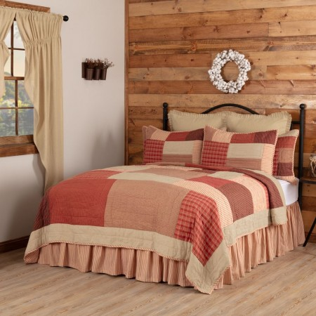 Rory Schoolhouse Red Quilt - Twin Size