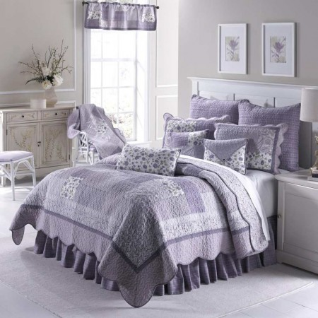 Donna Sharp Lavender Rose Twin Size Quilt - 68 X 90