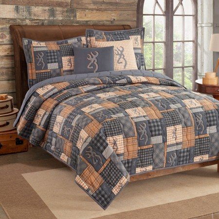 Buckmark Patch  Quilt and Sham Set - Full / Queen