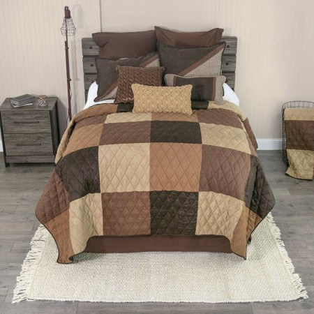 Donna Sharp Winchester King Size Quilt - 112 X 98