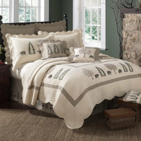 Donna Sharp Bear Creek King Size Quilt  - 110 X 96