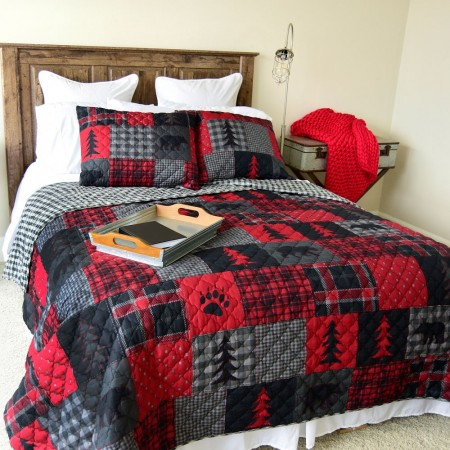 Red Forest Queen Quilt Set