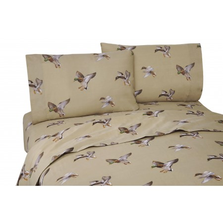 Duck Approach California King Size Sheet Set