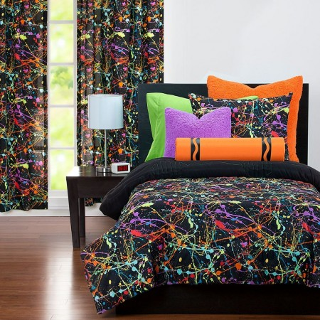 Neon Splat Comforter Set from Crayola